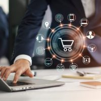 ECommerce platform: to Generalize or Specialize?